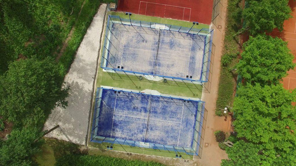 Padel Courts des TC Weiden von oben aufgenommen